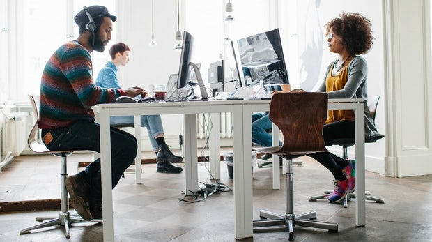 Teamchat ohne Cloud: Kommunikationslösungen für Inhouse-Server im Überblick