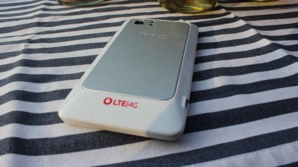 http://t3n.de/news/wp-content/uploads/2012/03/HTC-Velocity-4G-back-595x334.jpg