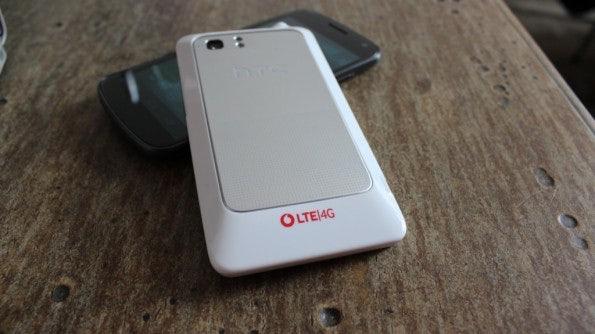 http://t3n.de/news/wp-content/uploads/2012/03/HTC-Velocity-4G-back1-595x334.jpg