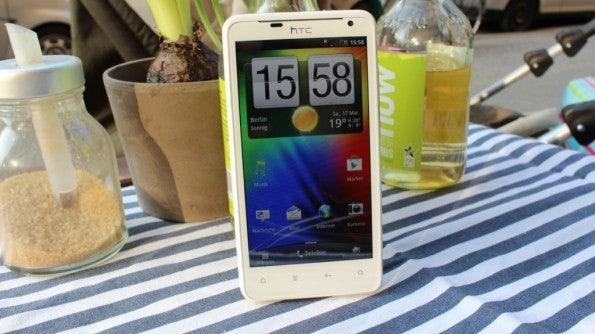 http://t3n.de/news/wp-content/uploads/2012/03/HTC-Velocity-4G-cover-595x334.jpg