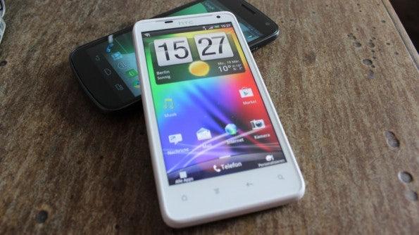 http://t3n.de/news/wp-content/uploads/2012/03/HTC-Velocity-4G-front-595x334.jpg