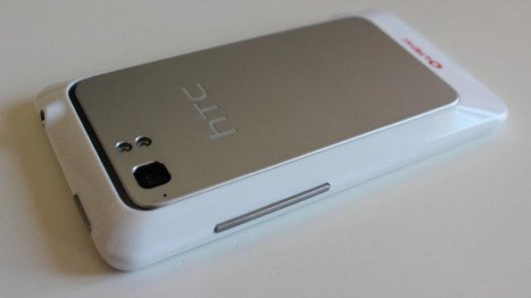 http://t3n.de/news/wp-content/uploads/2012/03/HTC-Velocity-4G-seite2-595x334.jpg