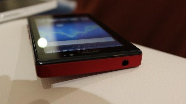 http://t3n.de/news/wp-content/uploads/2012/03/Sony-Xperia-sola-13-595x334.jpg