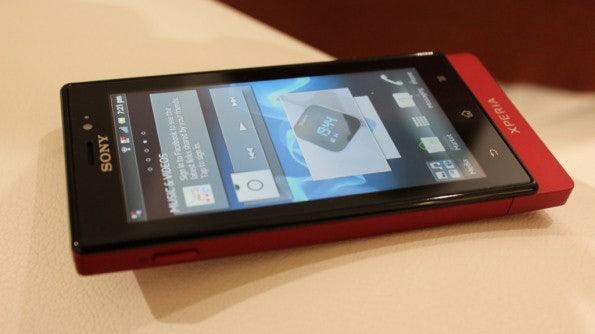 http://t3n.de/news/wp-content/uploads/2012/03/Sony-Xperia-sola-15-595x334.jpg