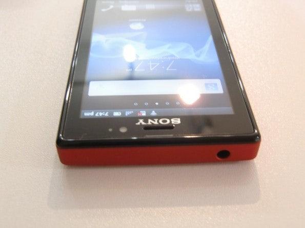 http://t3n.de/news/wp-content/uploads/2012/03/Sony-Xperia-sola-3-595x446.jpg