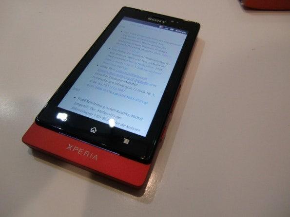 http://t3n.de/news/wp-content/uploads/2012/03/Sony-Xperia-sola-4-595x446.jpg