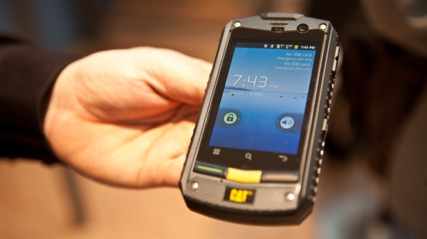 CAT B10 & CAT B25: Robuste Dual-SIM-Handys bald in Deutschland [CeBIT 2012|Video]