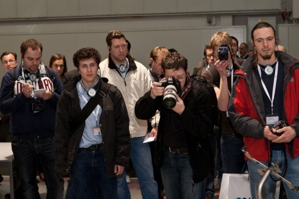 http://t3n.de/news/wp-content/uploads/2012/03/cebit2012_sbt-7403-595x396.jpg