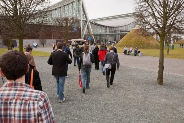 http://t3n.de/news/wp-content/uploads/2012/03/cebit2012_sbt-7429-595x396.jpg