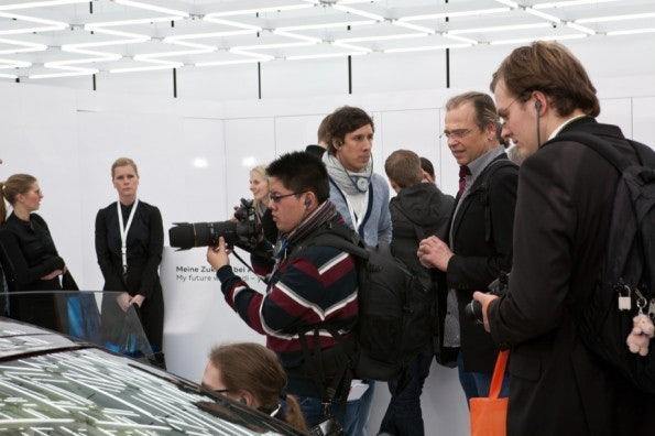 http://t3n.de/news/wp-content/uploads/2012/03/cebit2012_sbt-7431-595x396.jpg