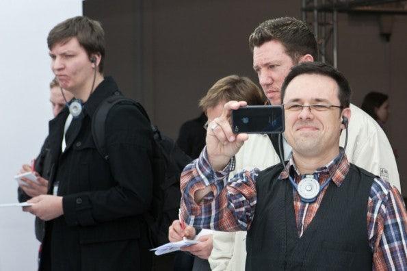 http://t3n.de/news/wp-content/uploads/2012/03/cebit2012_sbt-7432-595x396.jpg