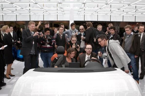 http://t3n.de/news/wp-content/uploads/2012/03/cebit2012_sbt-7435-595x396.jpg