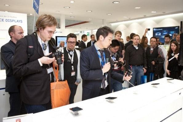 http://t3n.de/news/wp-content/uploads/2012/03/cebit2012_sbt-7468-595x396.jpg