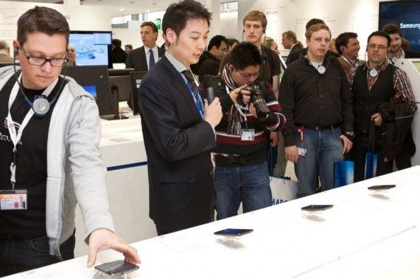 http://t3n.de/news/wp-content/uploads/2012/03/cebit2012_sbt-7469-595x396.jpg