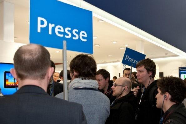 http://t3n.de/news/wp-content/uploads/2012/03/cebit2012_sbt-7471-595x396.jpg