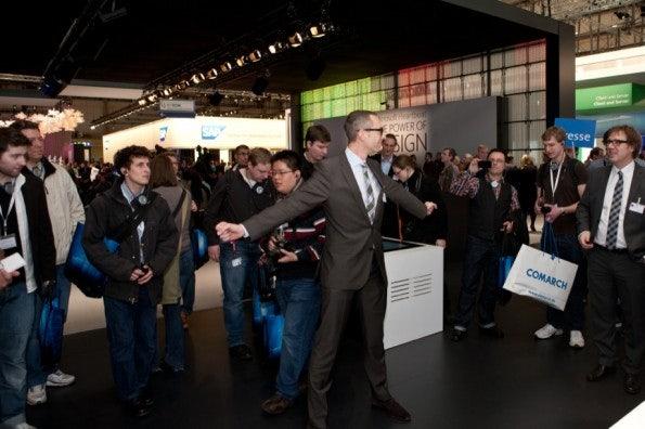 http://t3n.de/news/wp-content/uploads/2012/03/cebit2012_sbt-7495-595x396.jpg
