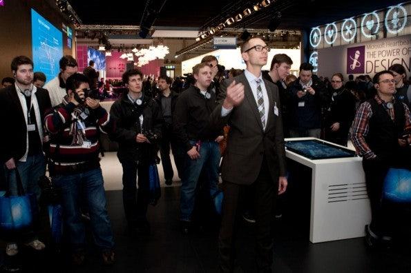 http://t3n.de/news/wp-content/uploads/2012/03/cebit2012_sbt-7500-595x396.jpg