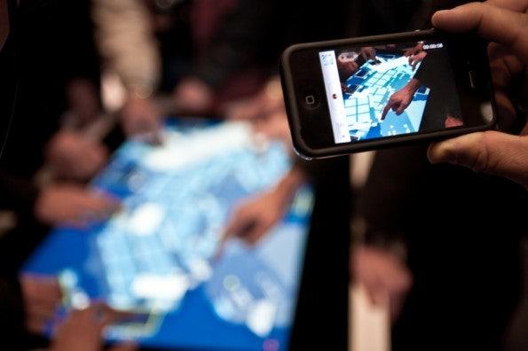 http://t3n.de/news/wp-content/uploads/2012/03/cebit2012_sbt-7518-595x396.jpg
