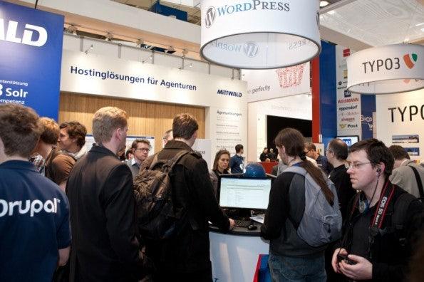 http://t3n.de/news/wp-content/uploads/2012/03/cebit2012_sbt-7561-595x396.jpg