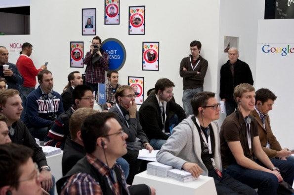 http://t3n.de/news/wp-content/uploads/2012/03/cebit2012_sbt-7577-595x396.jpg