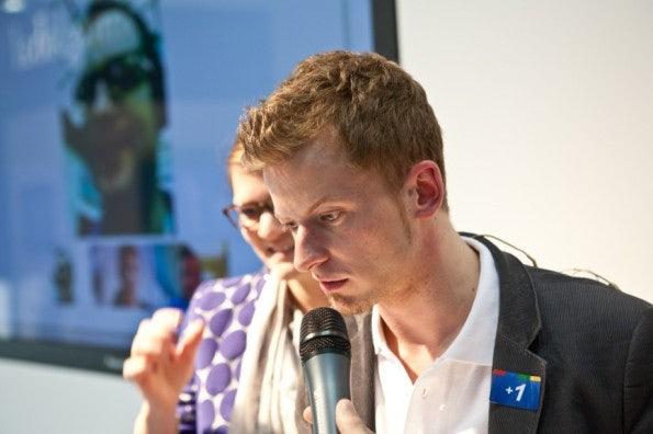 http://t3n.de/news/wp-content/uploads/2012/03/cebit2012_sbt-7583-595x396.jpg