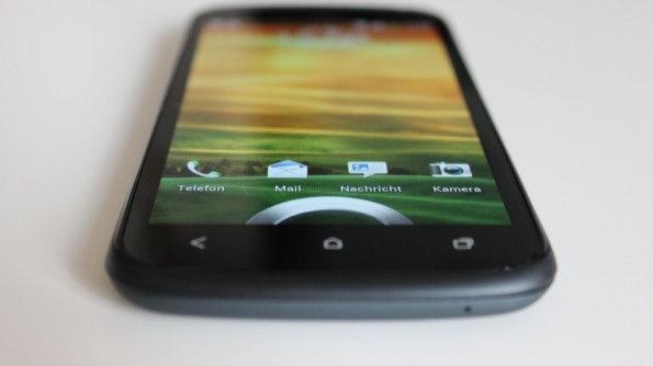 http://t3n.de/news/wp-content/uploads/2012/04/HTC-one-S-bottom-front-1-595x334.jpg