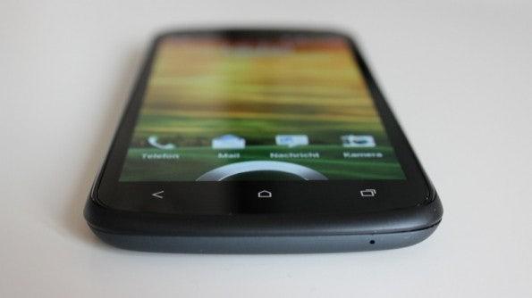 http://t3n.de/news/wp-content/uploads/2012/04/HTC-one-S-bottom-front-3-595x334.jpg