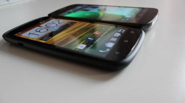http://t3n.de/news/wp-content/uploads/2012/04/HTC-one-S-vs-galaxy-nexus-3-595x334.jpg