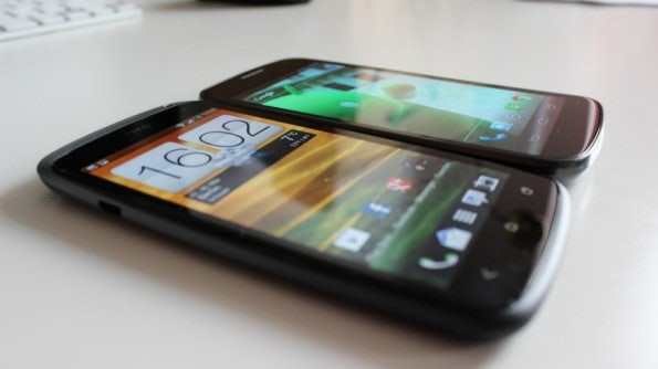 http://t3n.de/news/wp-content/uploads/2012/04/HTC-one-S-vs-galaxy-nexus-4-595x334.jpg