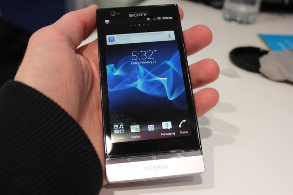 http://t3n.de/news/wp-content/uploads/2012/04/Sony-Xperia-S-front-1-595x396.jpeg