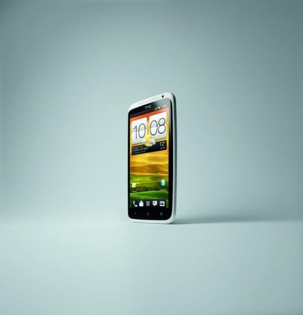 http://t3n.de/news/wp-content/uploads/2012/05/HTC-One-X_34Left_CMYK_ds-595x619.jpeg