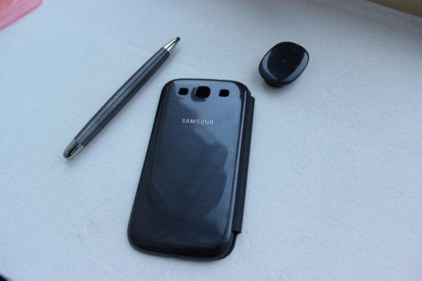 http://t3n.de/news/wp-content/uploads/2012/05/Samsung-Galaxy-S3-accessoires-595x396.jpg