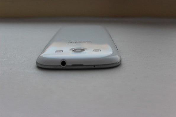 http://t3n.de/news/wp-content/uploads/2012/05/Samsung-Galaxy-S3-top1-595x396.jpg