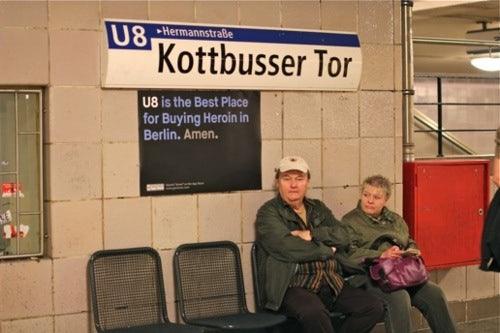 http://t3n.de/news/wp-content/uploads/2012/05/amen-guerilla-marketing-5.jpg
