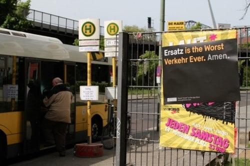 http://t3n.de/news/wp-content/uploads/2012/05/amen-guerilla-marketing-9.jpg