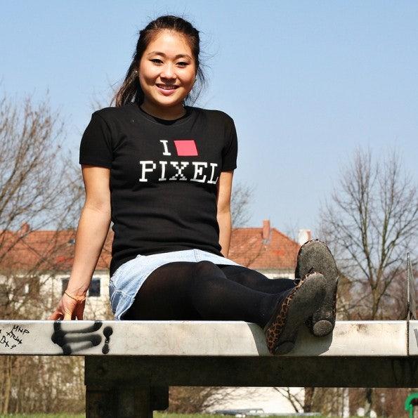 http://t3n.de/news/wp-content/uploads/2012/05/geek-shirts-3dsupply-pixel_g01-595x595.jpg
