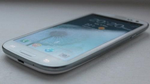 http://t3n.de/news/wp-content/uploads/2012/05/samsung-galaxy-s3-ftrd.jpg