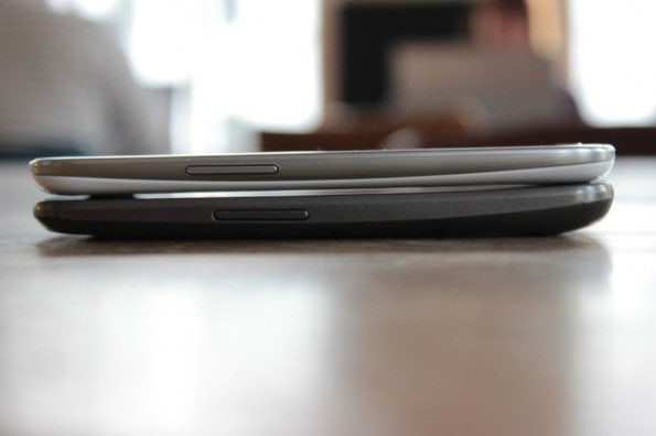http://t3n.de/news/wp-content/uploads/2012/06/Samsung-Galaxy-S3-vs-Galaxy-Nexus_1412-595x396.jpg