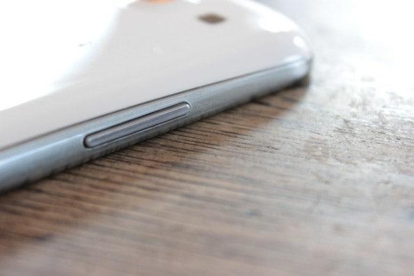 http://t3n.de/news/wp-content/uploads/2012/06/Samsung-Galaxy-S3_1347-lswippe-595x396.jpg