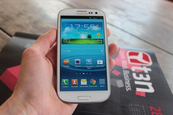 http://t3n.de/news/wp-content/uploads/2012/06/Samsung-Galaxy-S3_1363-595x396.jpg