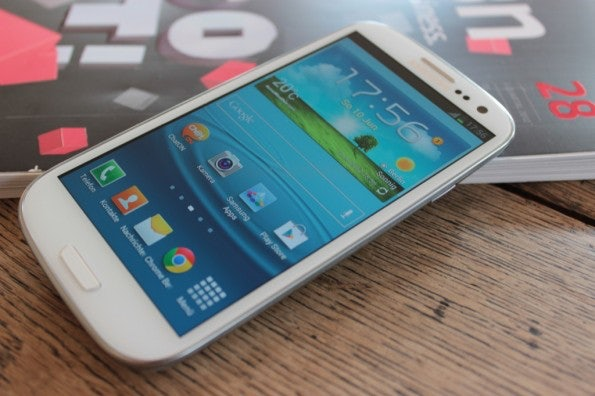 http://t3n.de/news/wp-content/uploads/2012/06/Samsung-Galaxy-S3_1367-595x396.jpg