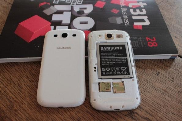 http://t3n.de/news/wp-content/uploads/2012/06/Samsung-Galaxy-S3_1382-595x396.jpg