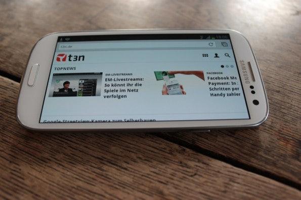 http://t3n.de/news/wp-content/uploads/2012/06/Samsung-Galaxy-S3_1389-595x396.jpg