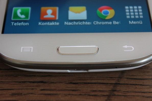 http://t3n.de/news/wp-content/uploads/2012/06/Samsung-Galaxy-S3_1425-595x396.jpg