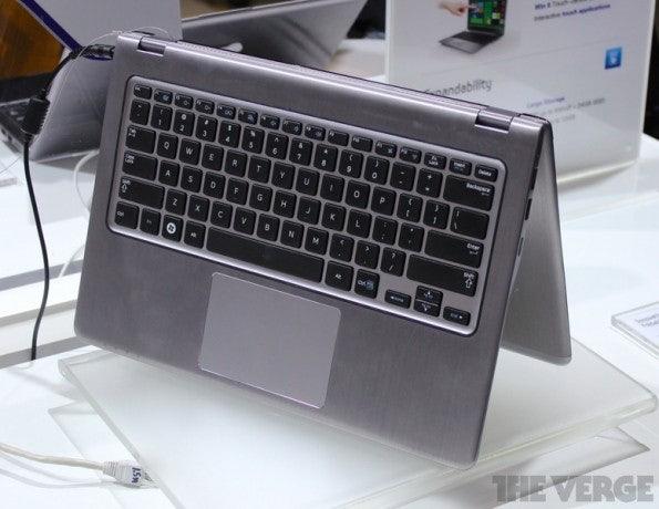 http://t3n.de/news/wp-content/uploads/2012/06/Samsung-Series-5-Ultra-Convertible-_8524-595x460.jpeg