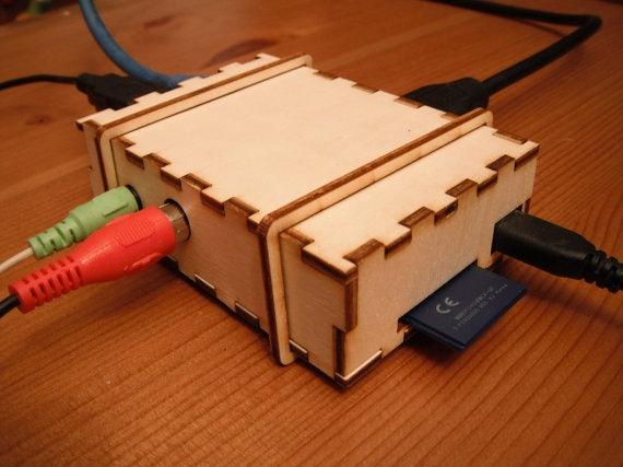 http://t3n.de/news/wp-content/uploads/2012/07/BRAMBLE-Pi-Raspberry-Pi-3.jpeg