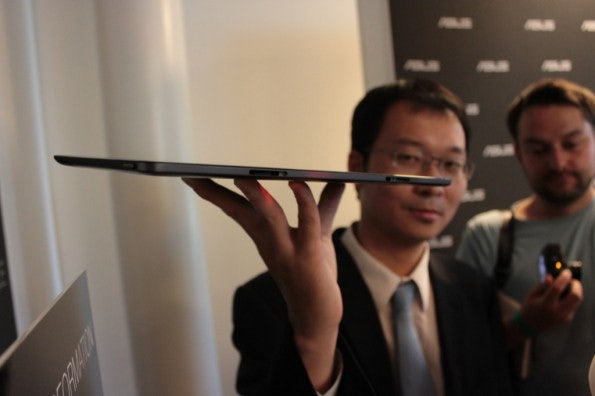 http://t3n.de/news/wp-content/uploads/2012/08/Asus-Vivo-Tab-rt-hands-on-6-595x396.jpg
