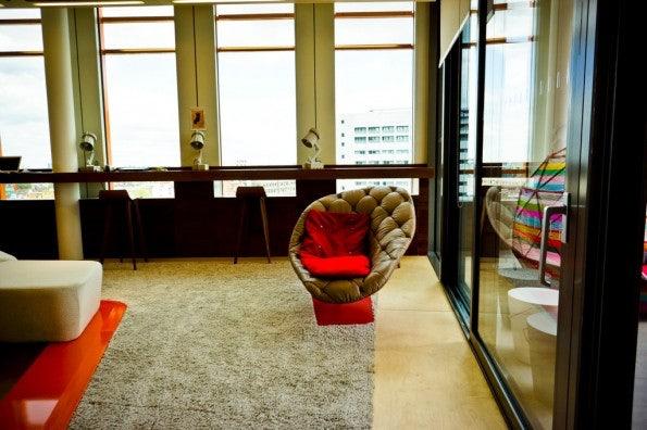 http://t3n.de/news/wp-content/uploads/2012/08/Google_London_08-595x396.jpg
