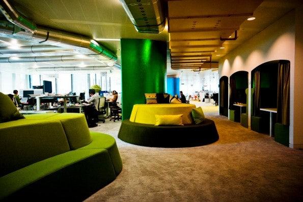 http://t3n.de/news/wp-content/uploads/2012/08/Google_London_20-595x396.jpg