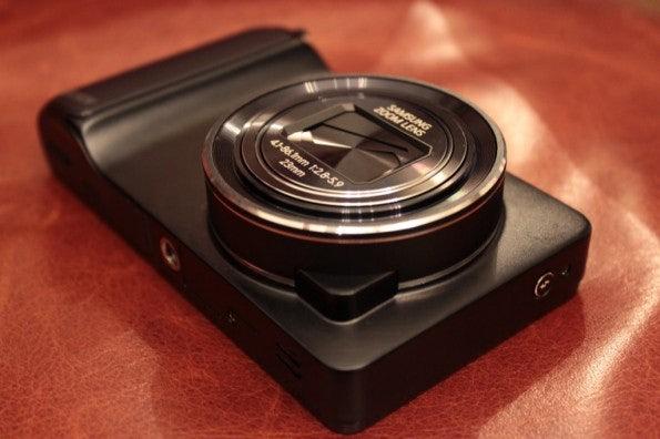http://t3n.de/news/wp-content/uploads/2012/08/Samsung-Galaxy-Camera_3269-595x396.jpg